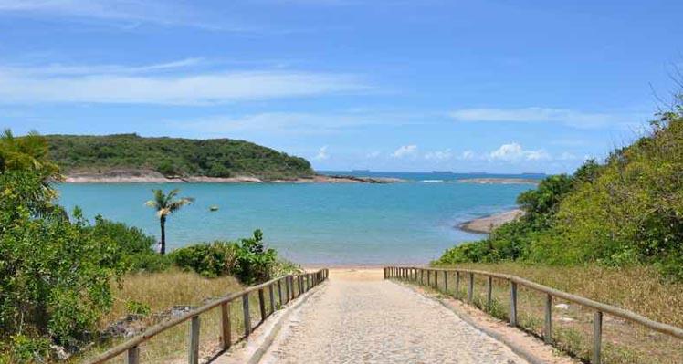 Praia de Bacutia – Enseada Azul