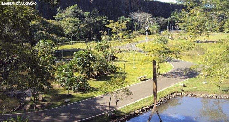 Parque Prefeito Luiz Roberto Jábali – Curupira