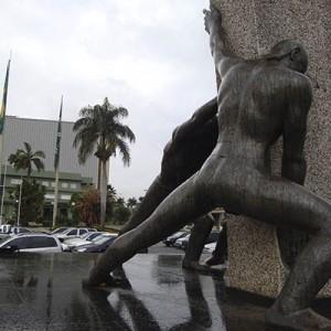 monumento as tres raças