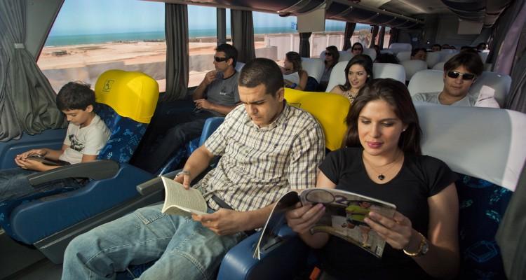 Viajar de ônibus: é melhor de dia ou de noite?