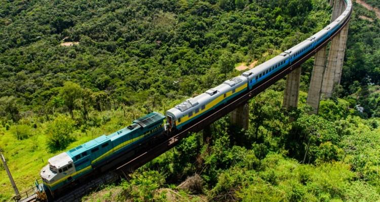 Conheça o Trem de Passageiros que liga Minas Gerais ao Espírito Santo