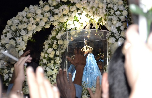 Romaria reúne 500 mil fiéis à padroeira do ES