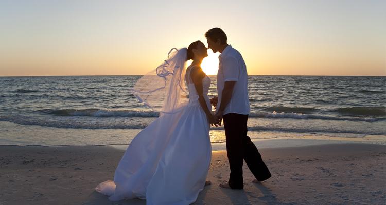 Pensando em casar na praia? Ilhabela está em alta!