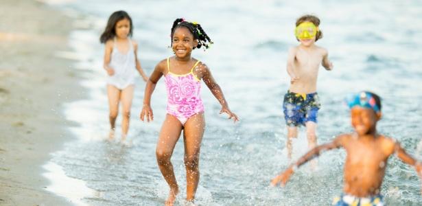 abre---praia-com-as-criancas-1418329476771_615x300