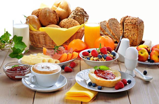 Café da Manhã Tropical